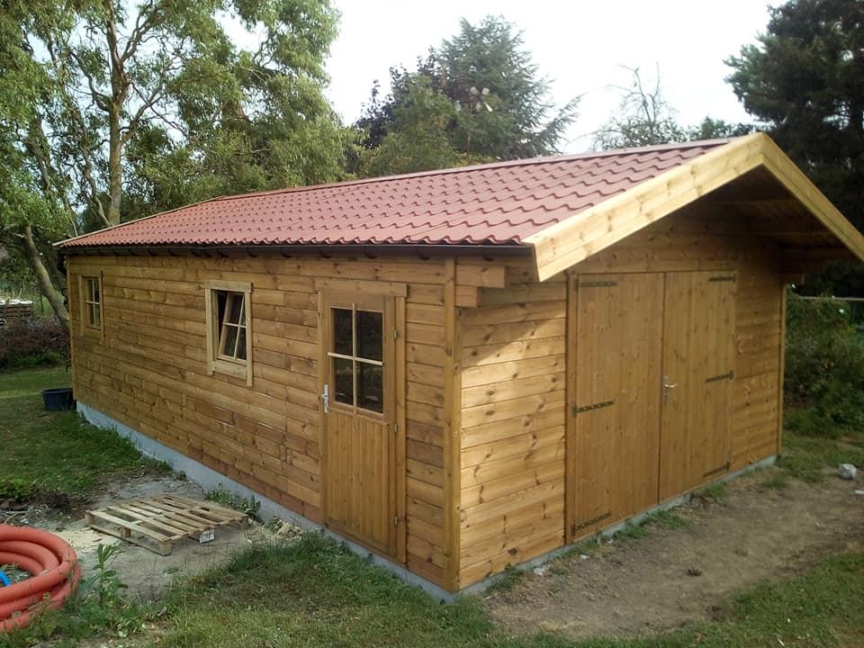 garage classique en bois chez maxichalet à Rumes